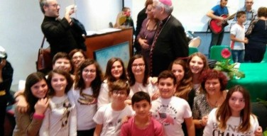 La merenda della gioia: i ragazzi raccontano la visita dell'arcivescovo Pennisi alla scuola di Carini