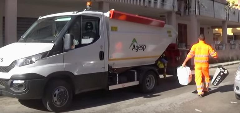 Operai della raccolta rifiuti di Isola delle Femmine in stato di agitazione