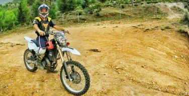 Precipita dalla montagna mentre fa motocross. Muore un ragazzo di Cinisi