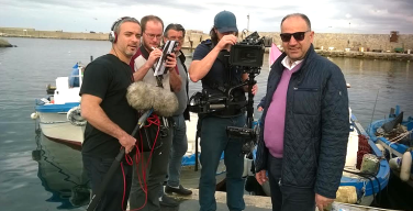 """Una troupe inglese filma un giorno """"normale"""" ad Isola delle Femmine"""