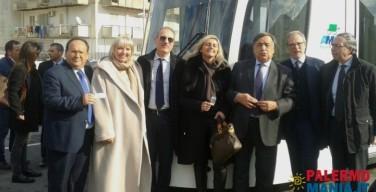 """In diretta dal tram il sindaco Stefano Bologna annuncia: """"Isola diverrà socio azionista di Amat"""""""