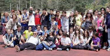 Isola delle Femmine, con una cerimonia alunni, insegnanti e genitori concludono l'anno sportivo