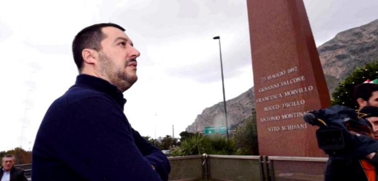 Matteo Salvini in Sicilia, si ferma alla stele di Capaci