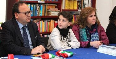 """Si insedia il sindaco dei ragazzi di Isola delle Femmine: """"È importante conoscere e praticare la democrazia"""" (VIDEO)"""