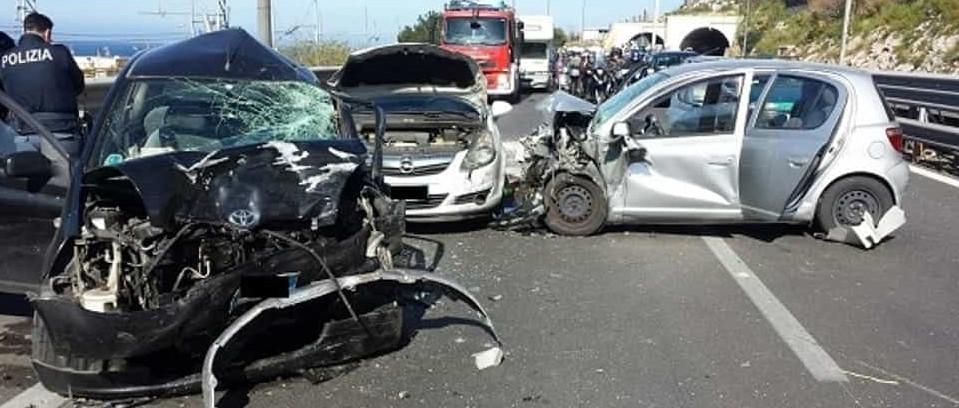 Grave incidente stradale nei pressi di Isola delle Femmine