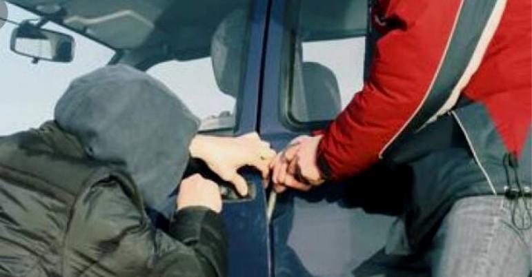 Beccati quattro giovani ladri d'auto a Capaci