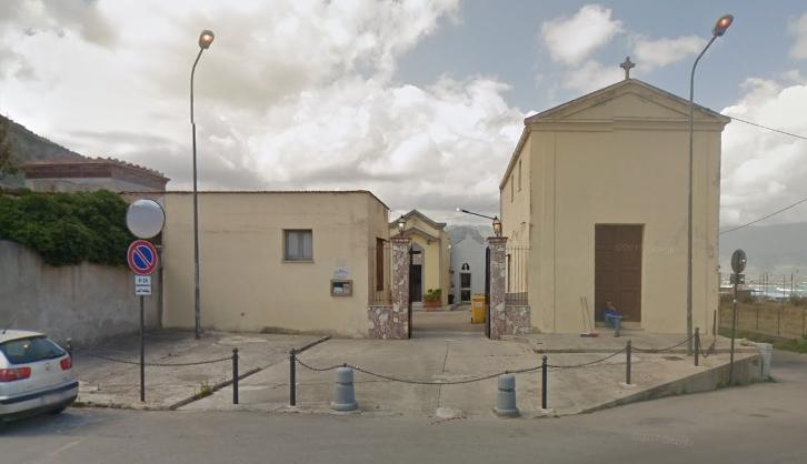 Salgono i casi Covid ad Isola delle Femmine. Il sindaco chiude il cimitero comunale