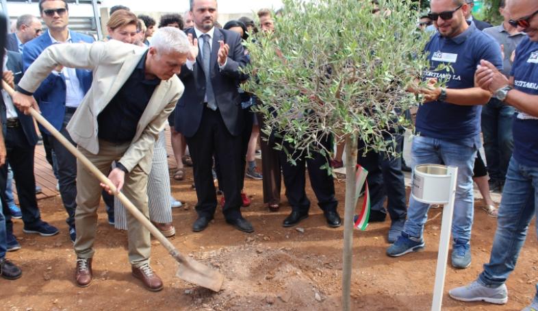 Sei alberi per ricordare Borsellino e la sua scorta nel giardino della memoria di Isola delle Femmine