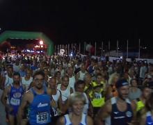 Più di 400 atleti alla maratona notturna sul lungomare di Isola delle Femmine (VIDEO)
