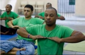 yoga carcere1