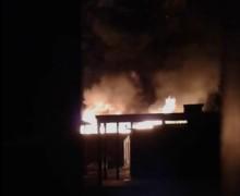Incendio nella notte sul lungomare di Isola delle Femmine (VIDEO)