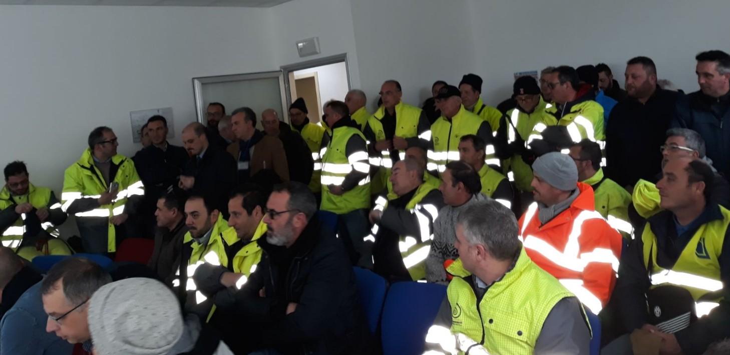 """Italcementi, Musumeci annuncia la proroga. Claudia Mannino (Insieme): """"La Regione cede al ricatto!"""""""