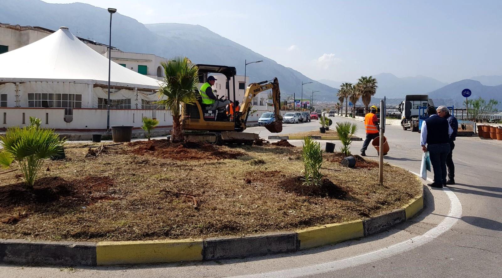 """Progetto """"Isola Verde"""": piantati 50 nuovi alberelli ad Isola delle Femmine"""