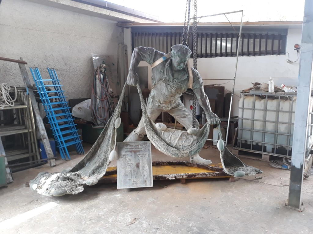 statua pescatore2