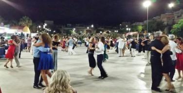 Serata di tango nella pista di pattinaggio di Isola delle Femmine