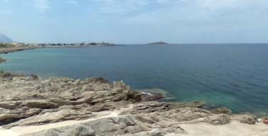 Ragazzina finisce in mare, tragedia sfiorata sulla costa di Isola delle Femmine