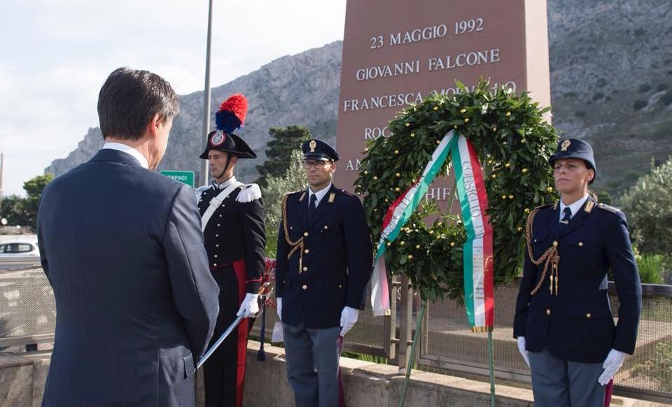 Il premier Giuseppe Conte in Sicilia, omaggio alla stele che ricorda la strage di Capaci