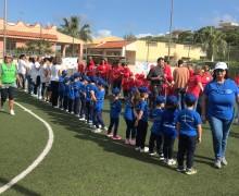 Bimbi e insegnanti in campo: le mini-olimpiadi dei bambini di Isola delle Femmine