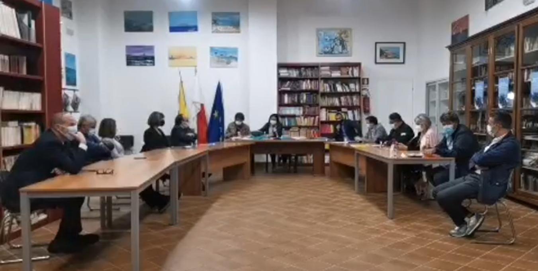 Si riunisce il Consiglio Comunale, ma finisce ancora in bagarre (VIDEO)